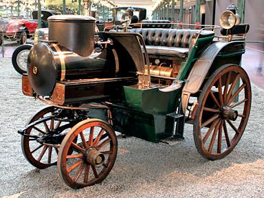 une des premières voitures