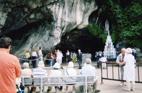La grotte à LOURDES