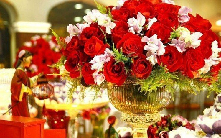 rosesrg.jpg